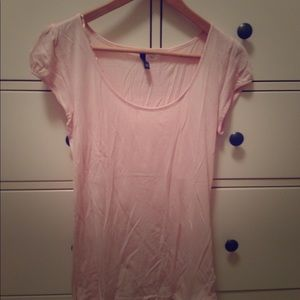 H&M Divided cap pink sleeve tee